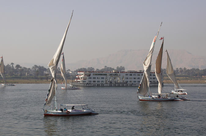 Cairo Shore Excursion: Private Day Tour of Giza Pyramids and Felucca Boat Ride on the Nile