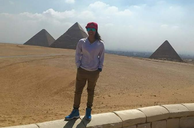 Two-Day Private Guided City Tour of Cairo Giza and Saqqara