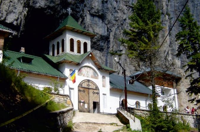 Romanian Kings from Antiquity to Modern Ages - Private Tour to the Carpathian Mountains