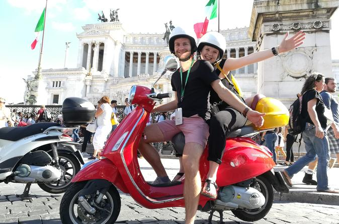 Rome Self-Guided Trip on Vespa with Dinner