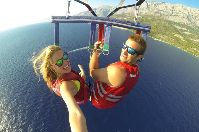 Quatro aventuras: parasailing, tubarões e arraias, cruzeiro em catamarã e snorkel, saindo de Punta Cana