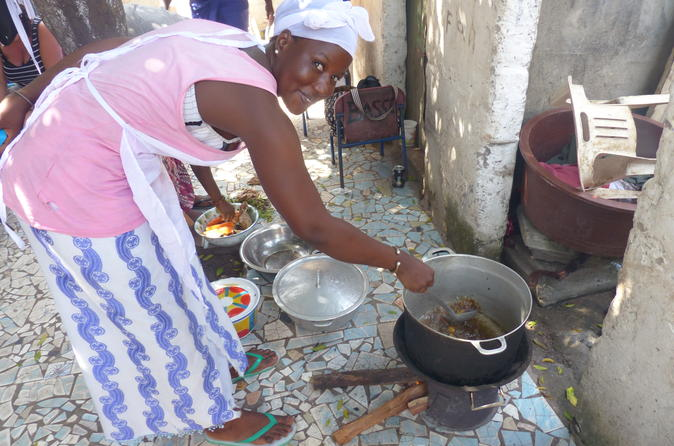 Private Full-Day Gambian Home Cooking Experience in Banjul