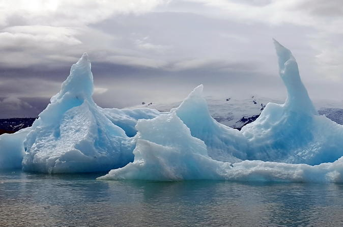 Jokulsarlon Lagoon and South Coast: Private Day Tour from Reykjavik