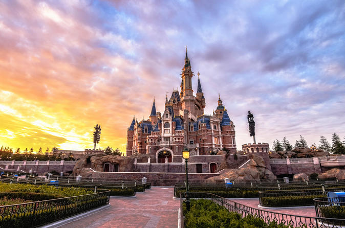 Shanghai Disneyland with transfers plus 2-night accommodation in 4-star hotels
