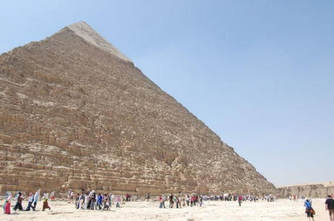 Private Day Tour: Egyptian Museum, Giza Pyramids and Mosque of Sultan Hassan from Cairo