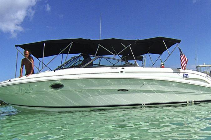 Recorrido en barco privado en Playa del Carmen con buceo de superficie