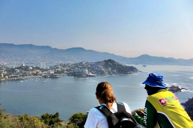 Hiking Tour on Roqueta Island in Acapulco