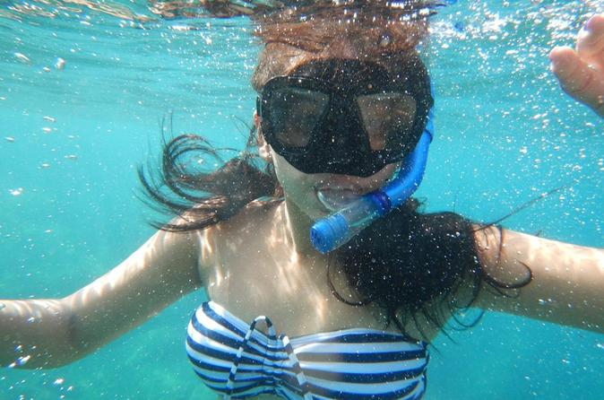 Snorkeling Tour by the Roqueta Island in Acapulco