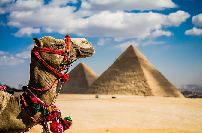 Guided Small-Group Day Tour to Great Pyramids and Egyptian Museum from Cairo