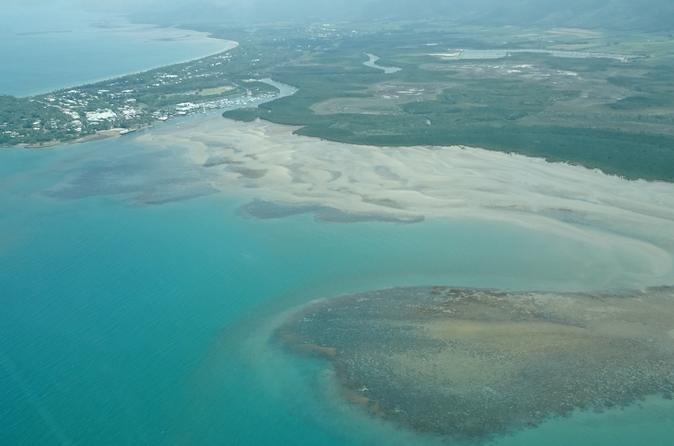 60-Minute Great Barrier Reef and Port Douglas Scenic Flight from Cairns Including Green Island