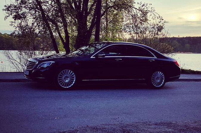 First Class Airport Limousine Transfer: Stockholm City to Arlanda Airport