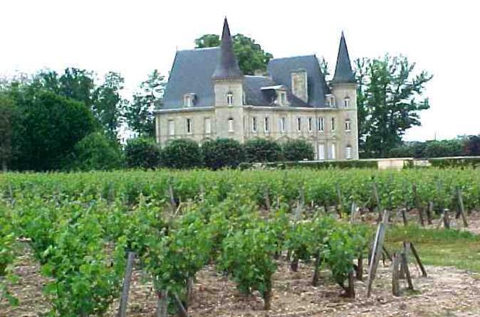 Viagem diurna em um grupo pequeno para Saint-Emilion saindo de Bordeaux