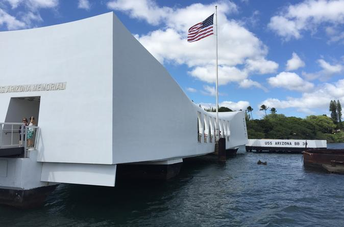 USS Arizona Small Group Transfer with Panoramic Honolulu Tour