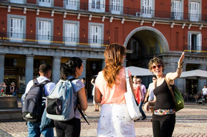 Madrid Evening Tapas, Taverns and History Tour