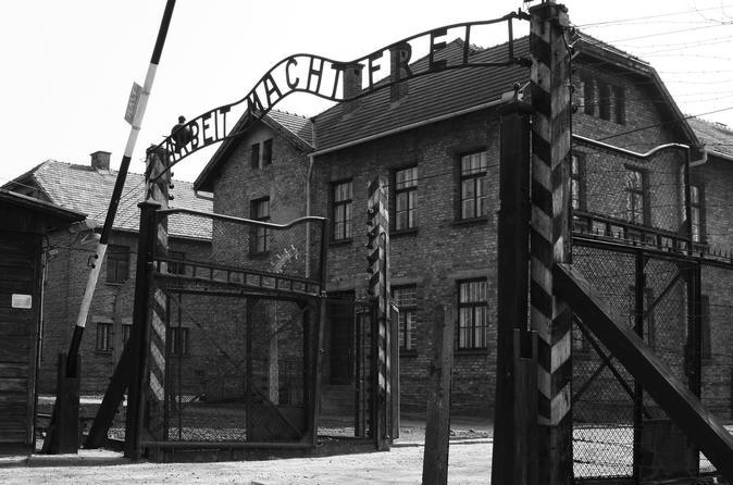 Viagem diurna para Auschwitz-Birkenau e a Mina de Sal Wieliczka saindo de Cracóvia, incluindo almoço