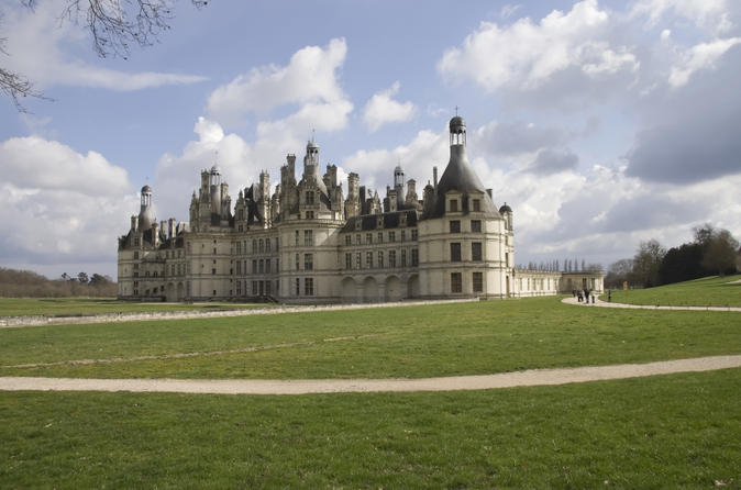 4-Day Normandy, Saint-Malo, Mont Saint-Michel and Chateaux Country Tour