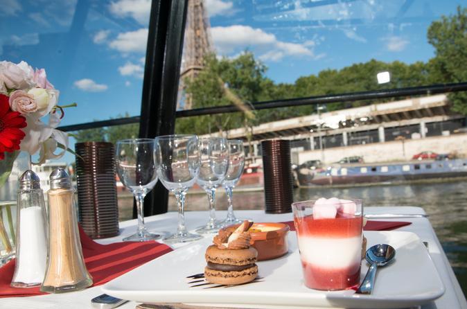 Cruzeiro fluvial pelo Rio Sena da Marina de Paris com jantar de 3 pratos