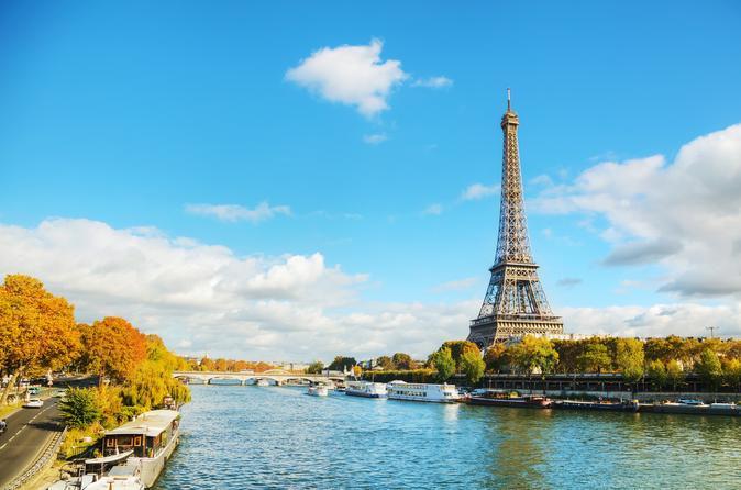 Evite as filas para Torre Eiffel, Cruzeiro pelo Rio Sena e City tour por Paris