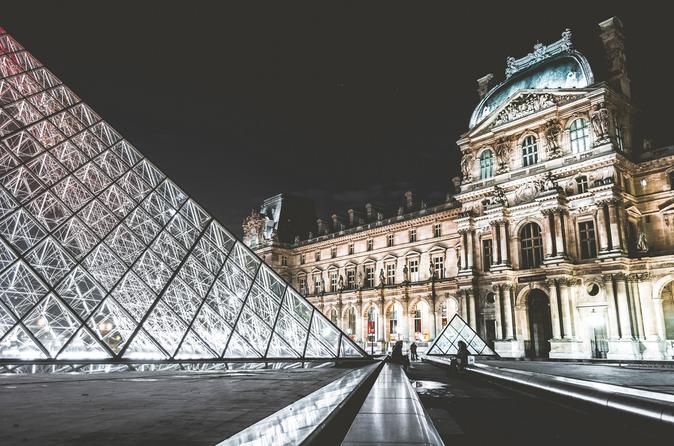 Evite filas: Excursão guiada pelo Museu do Louvre em Paris