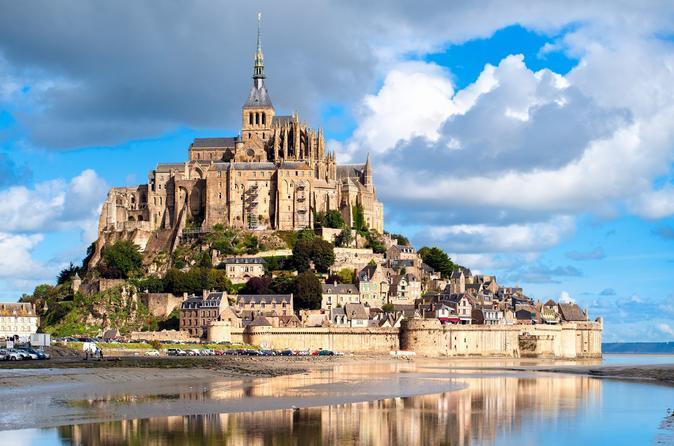 Excursão de 2 dias aos castelos do Mont Saint-Michel e do Vale do Loire a partir de Paris