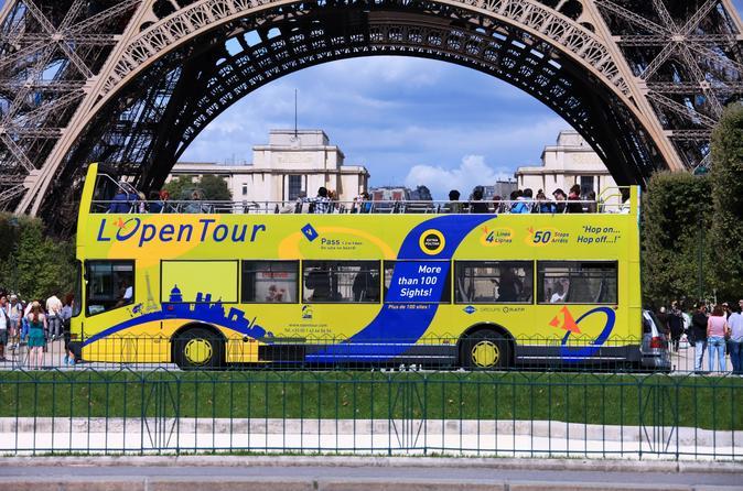 Excursão em ônibus aberto com várias paradas em Paris