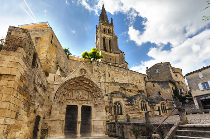 Full Day Guided Bordeaux & Saint Emilion with Wine Tastings by High Speed Train