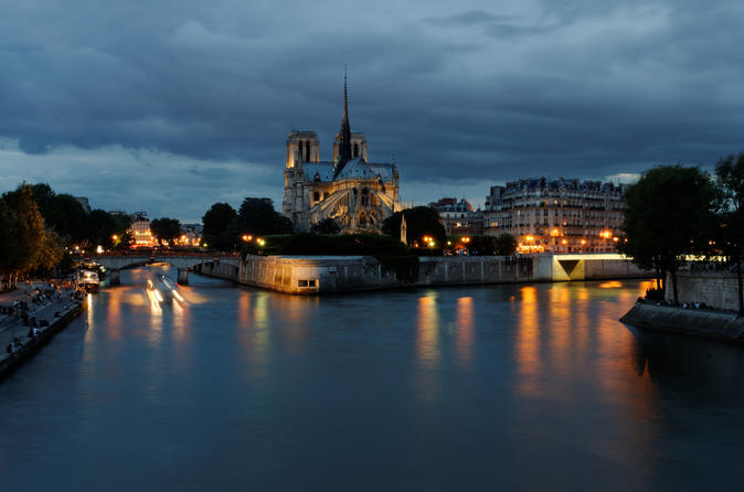 Ghost and Mystery Night Walking Tour of Paris