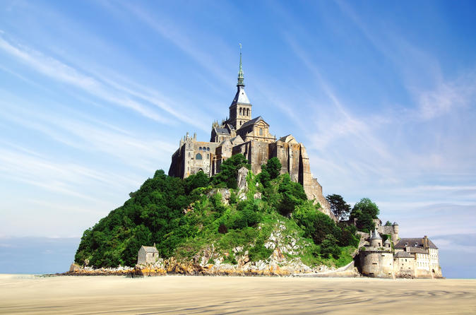 Independent Mont St-Michel Tour with Transport from Paris