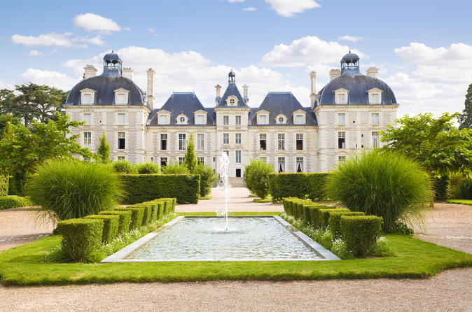 Loire valley castles day trip chambord cheverny and chenonceau in paris 115461