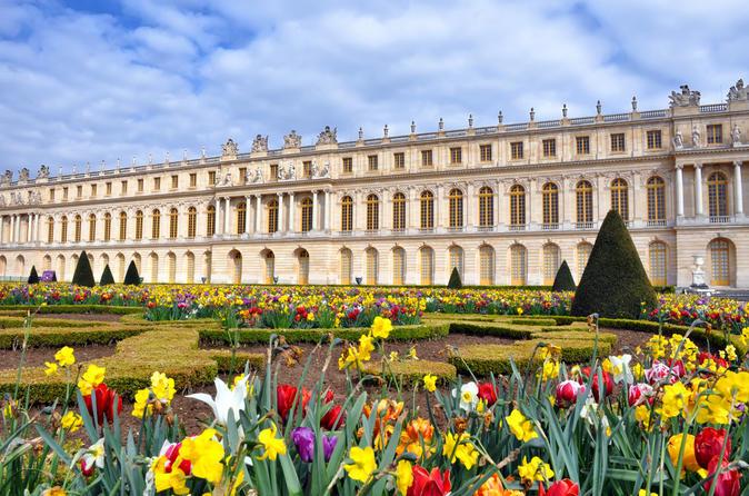 Viagem diurna pelo Palácio de Versalhes e Giverny saindo de Paris com almoço