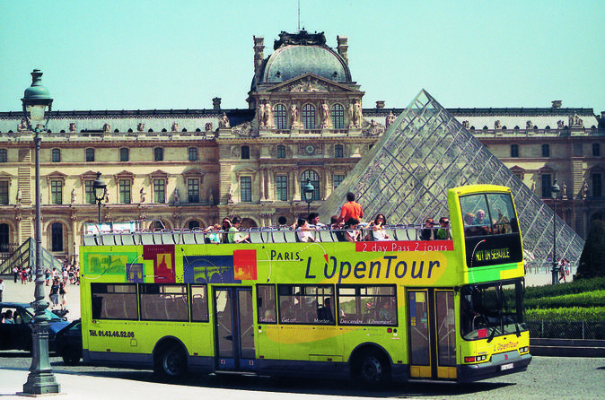 Paris l open hop on hop off tour in paris 156742