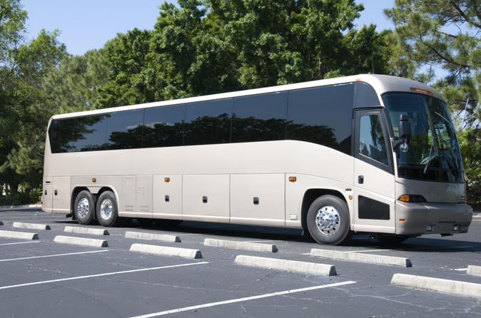 Paris to Versailles Round-Trip Coach Transfer