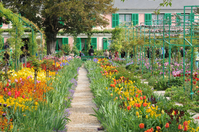 Private Tour: Giverny, Monet and Auvers-sur-Oise Impressionist Day Trip from Paris