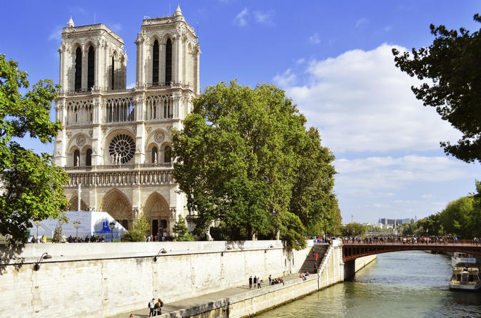 Skip the Line Notre Dame Cathedral Audio Guided Tour and Latin Quarter Tour