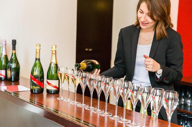 Tour durch die Champagne-Region ab Paris mit zwei Verkostungen