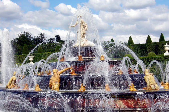 Versailles guided tour with optional fountain show in paris 136929