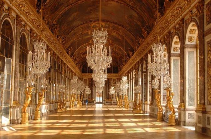 Viagem diurna de grupo reduzido de Paris a Giverny e Versalhes