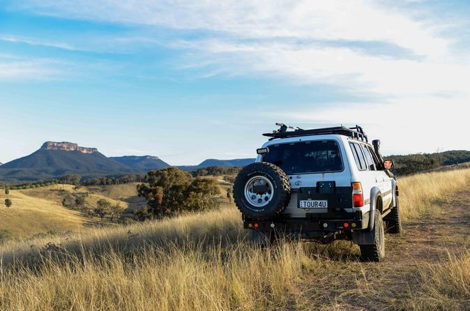 Blue Mountain 4WD Tour Including the Lost City and Capertee Valley from Katoomba