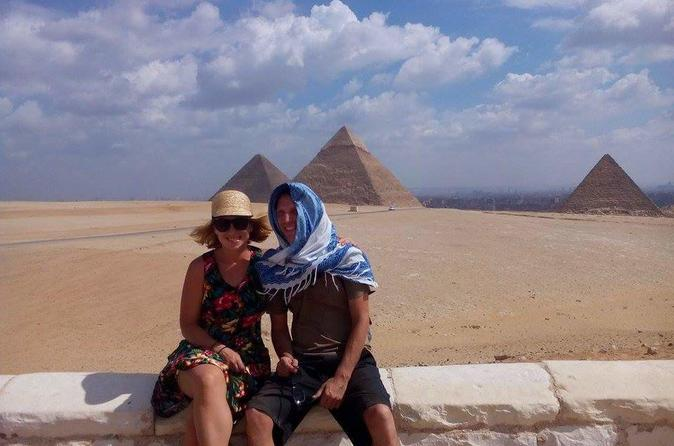 Private Day Tour to Giza Pyramids, Sphinx, Memphis, and Sakkara