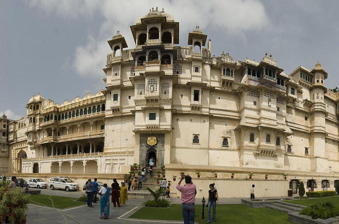 Udaipur sightseeing day tour including aarti ceremony in udaipur 241465
