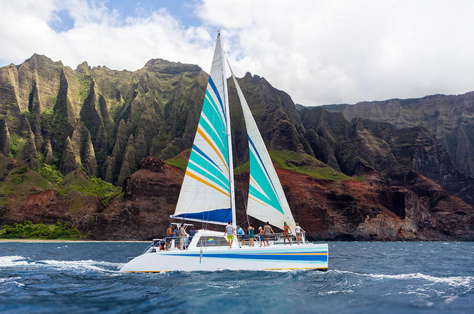 Na pali coast kauai snorkel and sail in eleele 325017