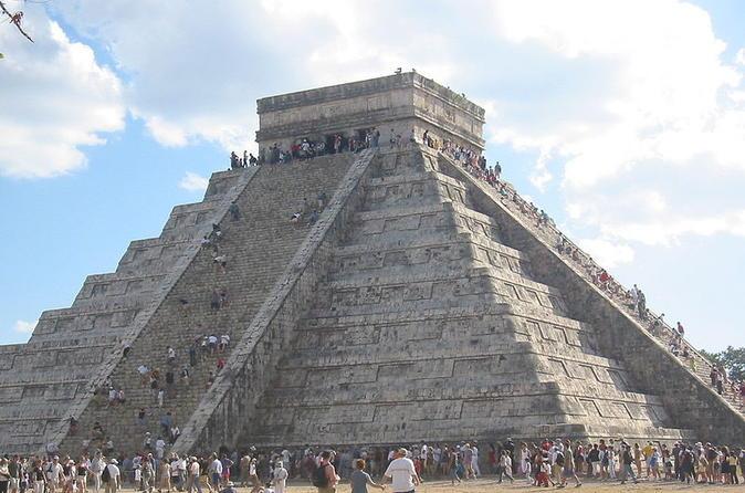 Chichen Itza Tour with Cenote Swim from Cancun