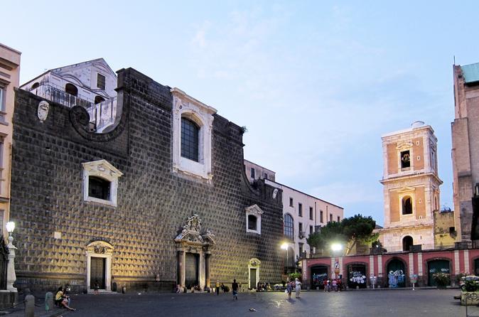 Napoli Art and Food Tour: Gesù Nuovo, Santa Chiara, and San Domenico Maggiore