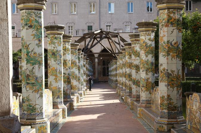 Napoli Art and Food Tour: Santa Chiara, San Gregorio Armeno and Sant Angelo a Nilo Church