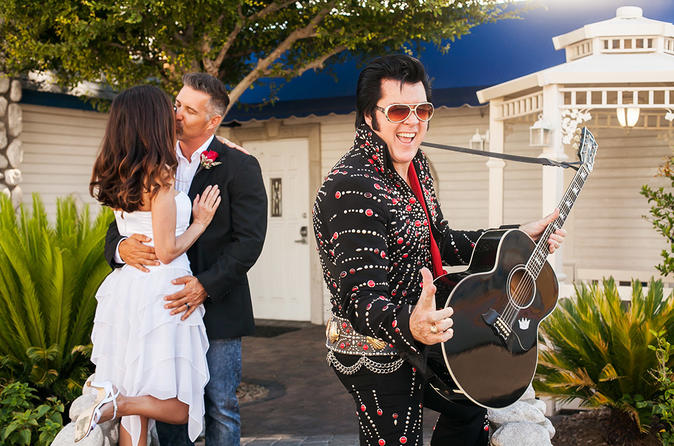 Elvis-huwelijk in de Graceland Wedding Chapel