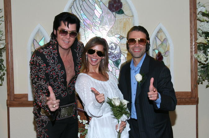 Las Vegas Elvis Wedding At Graceland Chapel In United States North America