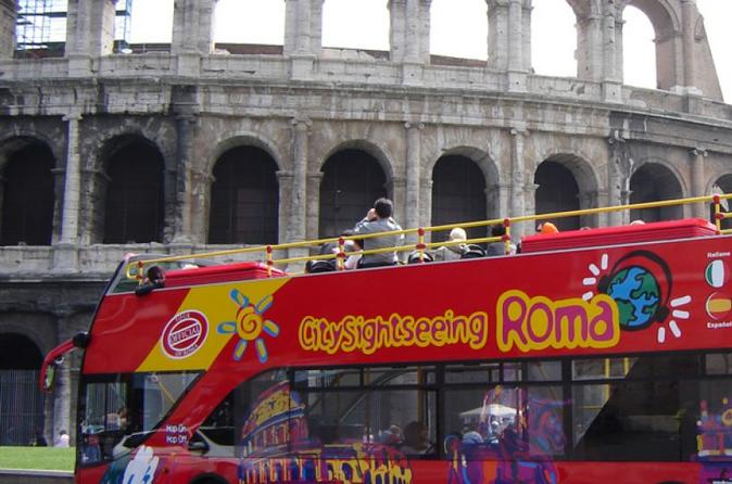 Flexible Skip-the-Line Colosseum Guided Tour  &  Hop on-Hop off  Pass