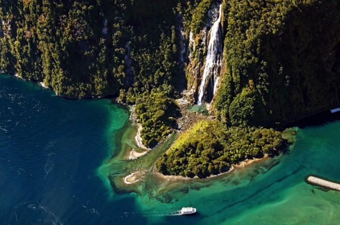 4-Hour Milford Sound Cruise and Fly Experience