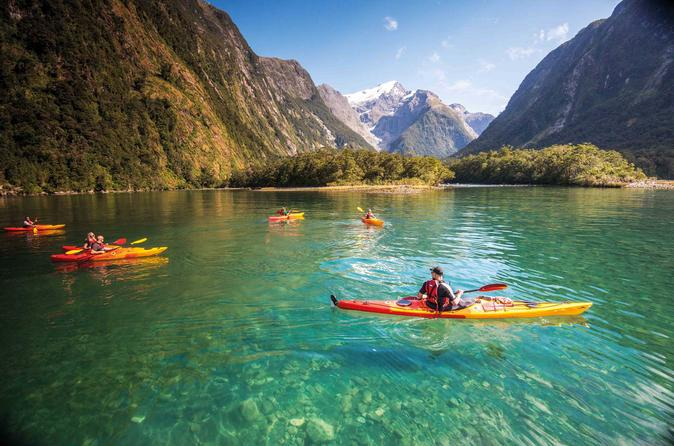 Milford Sound: Fly Cruise Kayak Experience from Queenstown