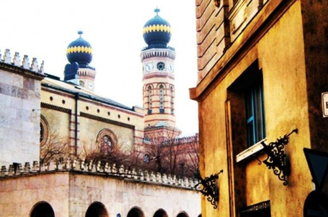 Private Jewish Heritage Tour by Car in Budapest